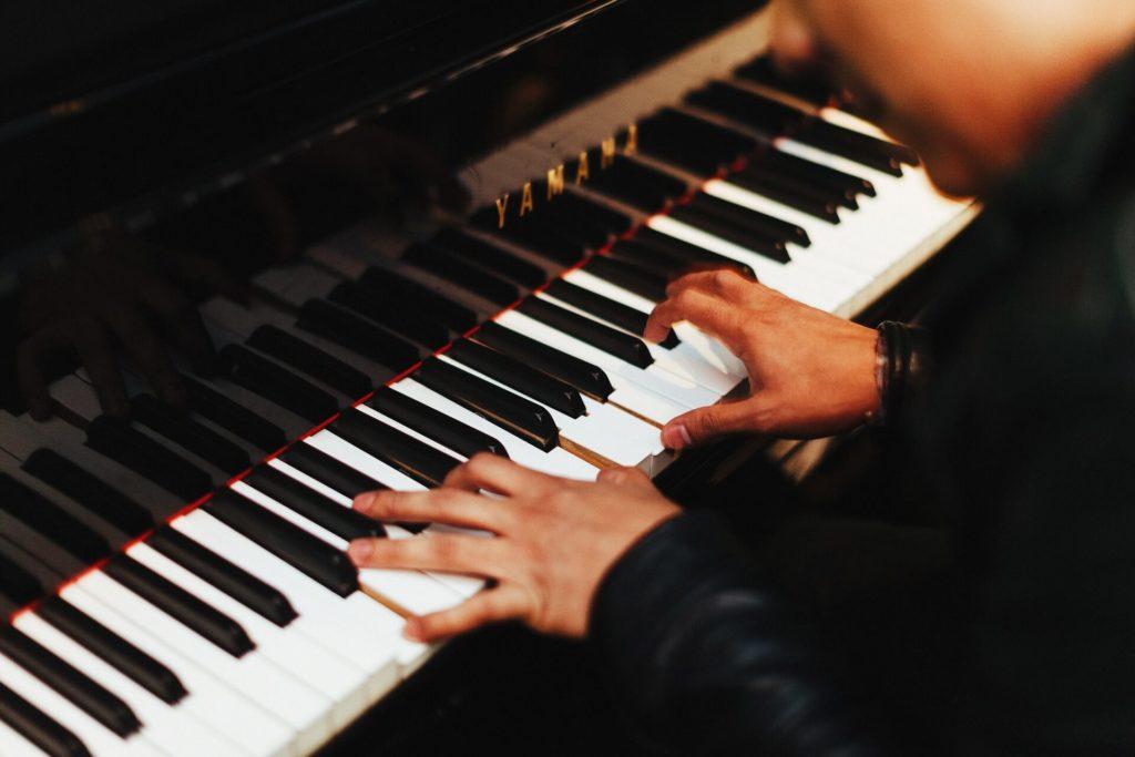 Een piano verhuizen is een nauwkeurige klus